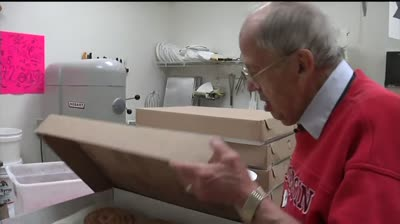'Bob the Cookie Man' shares profits with animal shelter