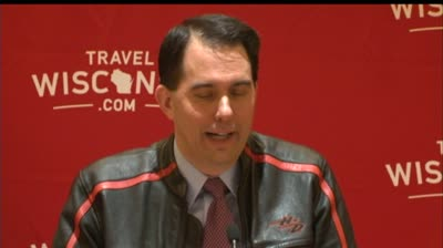 Walker to speak at fundraiser in Iowa, stoking 2016 talk